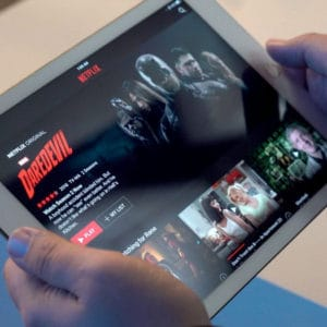 7+ Fixes For Netflix Error 1011 On Apple & Android Devices